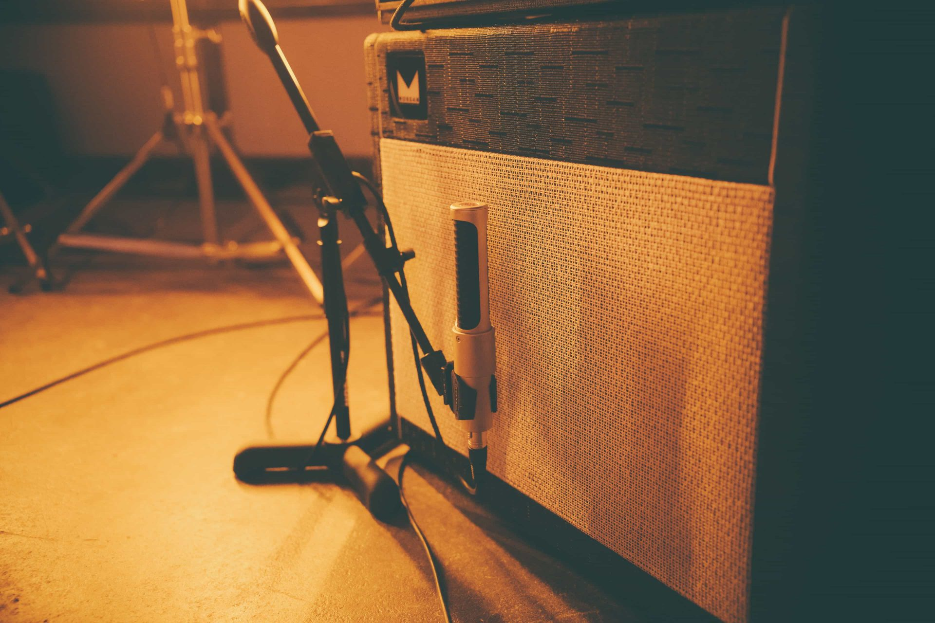 how to record electric guitar with the n22 aea ribbon mics preamps. Black Bedroom Furniture Sets. Home Design Ideas