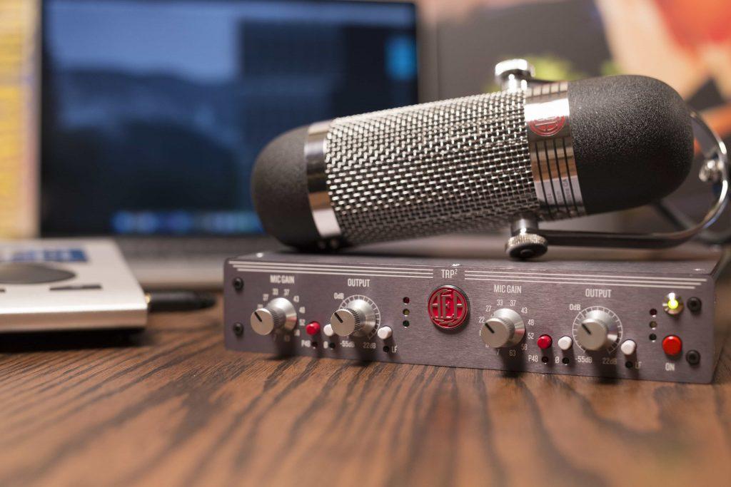 R84-TRP2-Desk