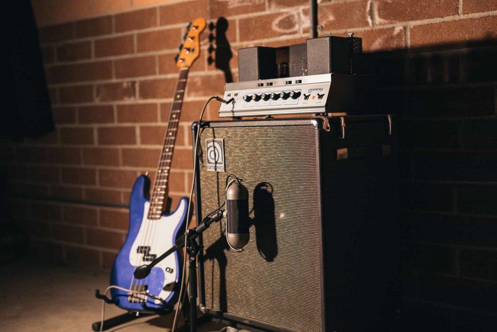 R92-Electric-Bass-B15